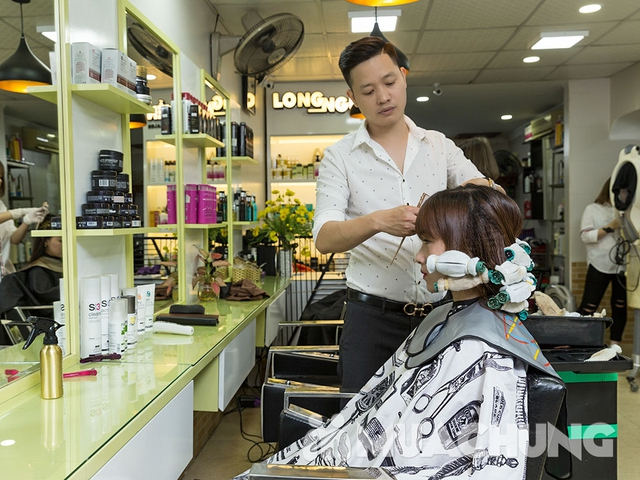 Trọn gói Cắt + Gội + Uốn/Ép/Nhuộm/Phủ bóng + Sấy tạo kiểu tại Long Nguyễn Hair Salon - 7