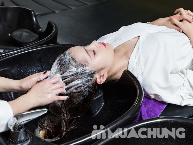 Combo Cắt + Gội + Sấy tạo kiểu dành riêng cho phái đẹp tại Long Nguyễn Hair Salon - 5