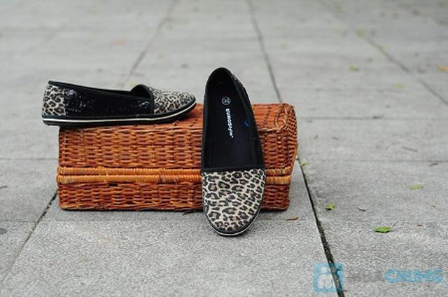 Giày lười lấp lánh cho bạn gái – Chỉ 179.000đ/1 đôi.