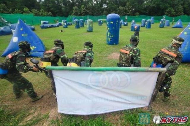 Cùng bạn bè thư giãn, thoải mái với trò chơi bắn súng sơn tại CLB Súng sơn Trí Long Mai Dịch - Chỉ với 120.000đ - 2