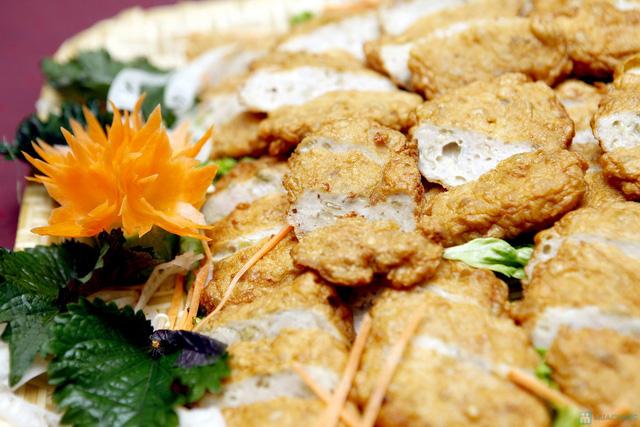 Buffet với các món ăn Hà Nội truyền thống tại Nhà hàng Thủy Tinh Cung - Khách sạn Bảo Sơn. Chỉ với 159.000đ - 6