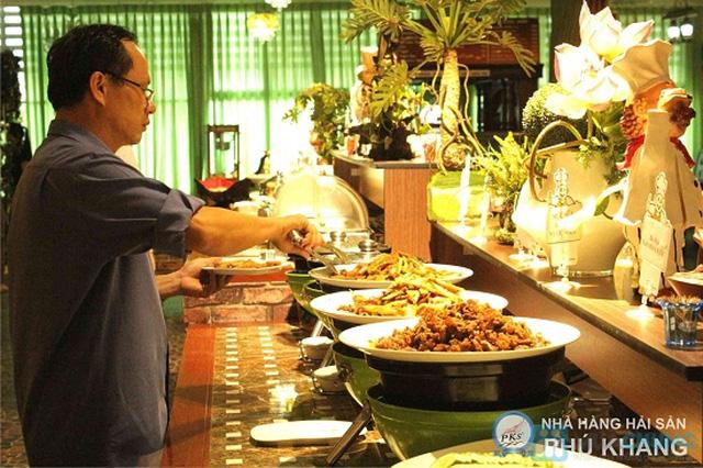 Buffet trưa  tại NH hải sản Phú Khang - Chỉ 99.000đ/ 01 người - 12