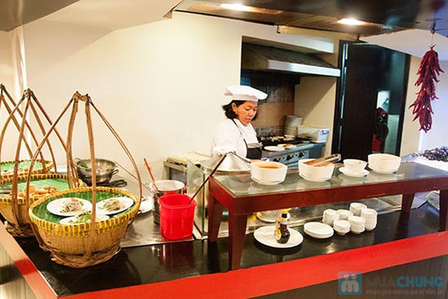 Buffet Gánh dành cho buổi trưa tại Khách sạn Bông Sen Quận 1 với hơn 40 món ăn đặc sắc 3 miền - Chỉ 319.000đ/ 1 người - 11