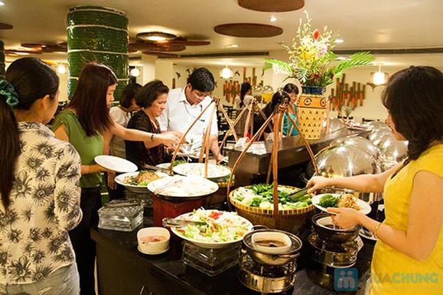 Buffet Gánh dành cho buổi trưa tại Khách sạn Bông Sen Quận 1 với hơn 40 món ăn đặc sắc 3 miền - Chỉ 319.000đ/ 1 người - 8