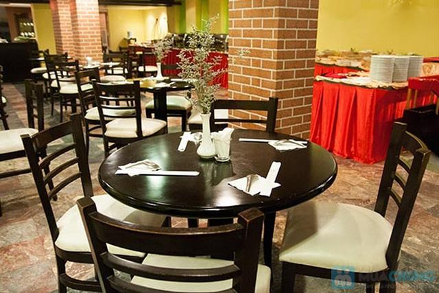 Buffet Gánh dành cho buổi trưa tại Khách sạn Bông Sen Quận 1 với hơn 40 món ăn đặc sắc 3 miền - Chỉ 319.000đ/ 1 người - 14