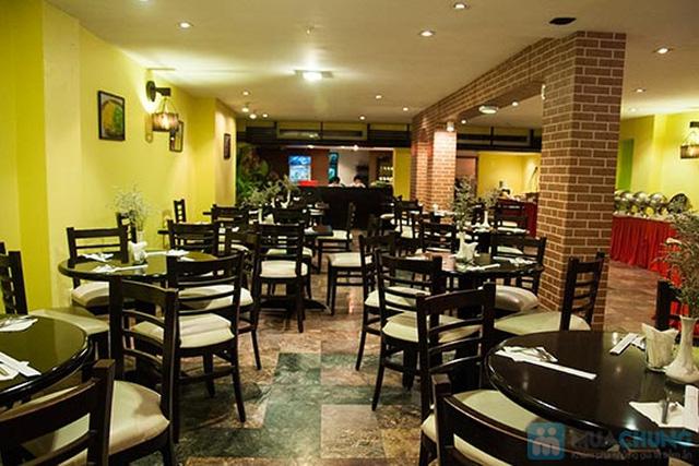 Buffet Gánh dành cho buổi trưa tại Khách sạn Bông Sen Quận 1 với hơn 40 món ăn đặc sắc 3 miền - Chỉ 319.000đ/ 1 người - 15