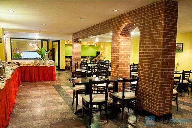 Buffet Gánh dành cho buổi trưa tại Khách sạn Bông Sen Quận 1 với hơn 40 món ăn đặc sắc 3 miền - Chỉ 319.000đ/ 1 người - 16