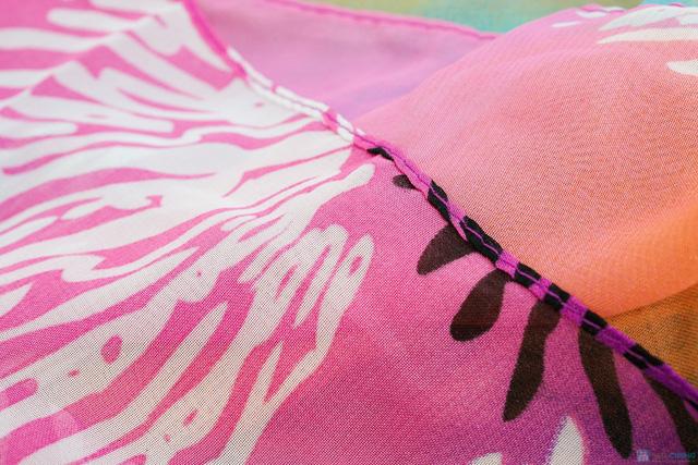 khăn tắm quấn đi biển cho bạn gái - 1