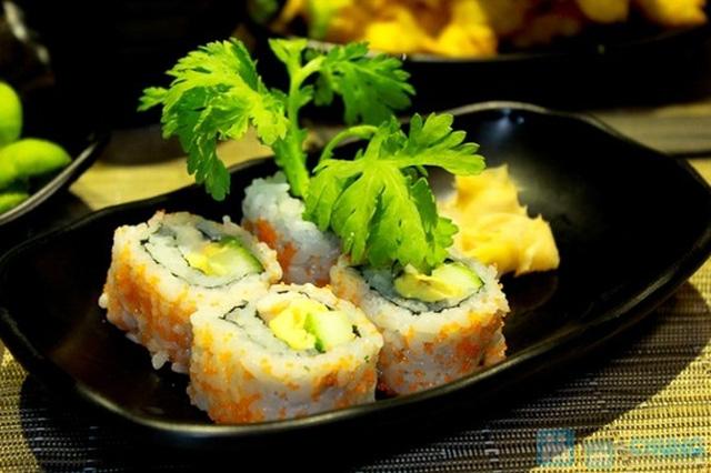 Set ăn Nhật cực kì hấp dẫn dành cho 4 người tại Nhà hàng Sumo Boy - Chỉ 450.000đ - 1