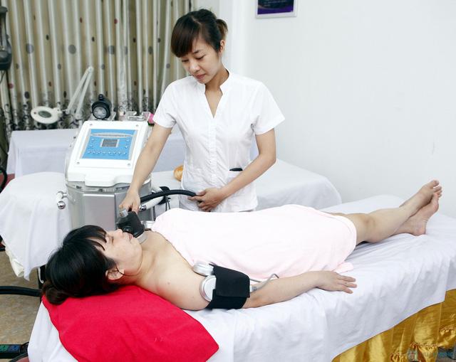 Giảm béo bụng tại Phương Loan Hồng Kông hiệu quả ngay sau buổi đầu tiên, giảm 3-4 cm - 1