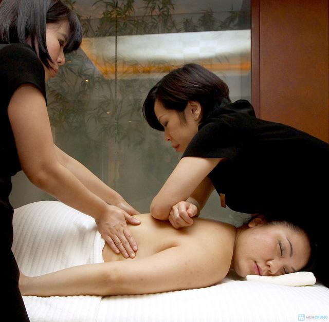 Massage mặt làm trắng sáng da, mờ vết thâm và chống lão hóa tại Lee Wedding & Spa - 1