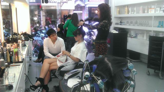 Hấp dưỡng tóc phục hồi GOLD QUALITY tại Salon tóc Hường Hà - 3