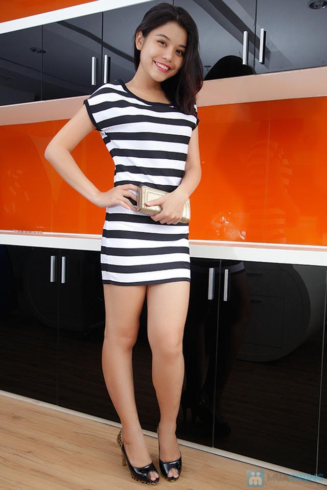 Đầm suông sọc ngang trắng đen cá tính - 2