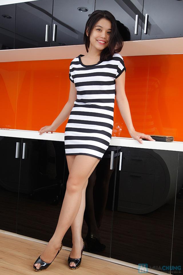 Đầm suông sọc ngang trắng đen cá tính - 5