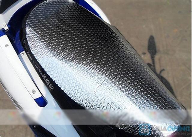 Combo 02 miếng lót chống nắng yên xe máy - 4