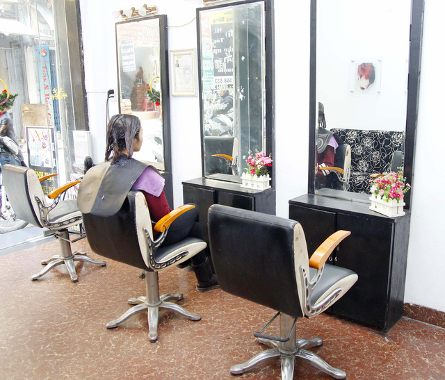 Cắt + Nhuộm/ Uốn/ Ép Hair Salon Trang Bông - 2