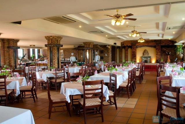 Không gian nghỉ dưỡng thanh bình tại Khách sạn Hội An Pacific. Phòng Superior City View cho 2 người kèm buffet sáng.  - 7