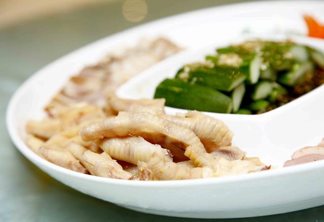 Set Lẩu bò kèm món nguội Trung Hoa 6 loại nước lẩu dành cho 4 người - 3