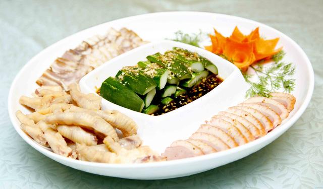 Set Lẩu bò kèm món nguội Trung Hoa 6 loại nước lẩu dành cho 4 người - 2