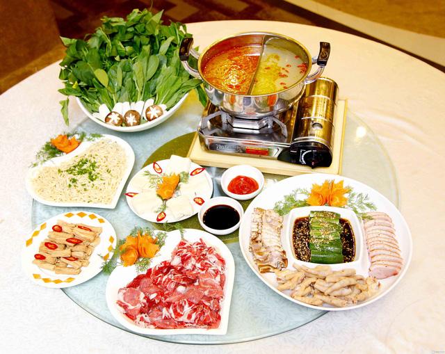 Set Lẩu bò kèm món nguội Trung Hoa 6 loại nước lẩu dành cho 4 người - 1